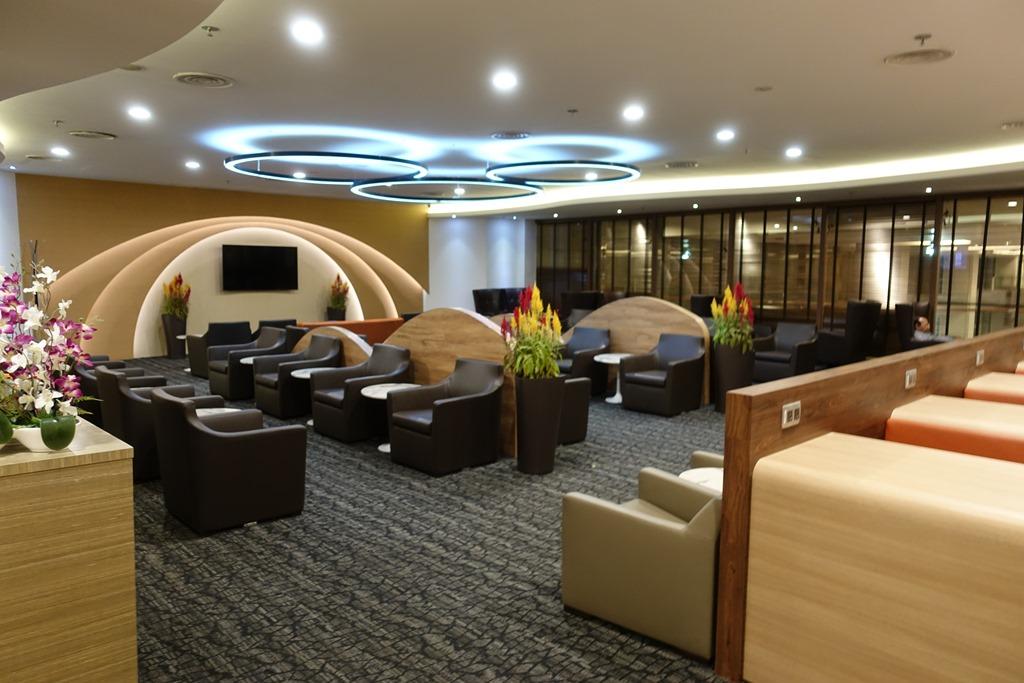 チャンギ空港ターミナル1「SATS Premier Lounge (SATSプレミアラウンジ)」レビュー。