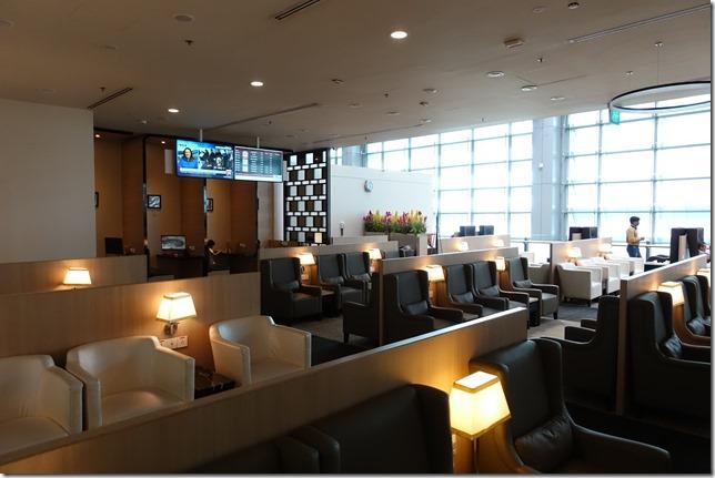 チャンギ空港ターミナル3「SATS Premier Lounge (SATSプレミアラウンジ)」レビュー。