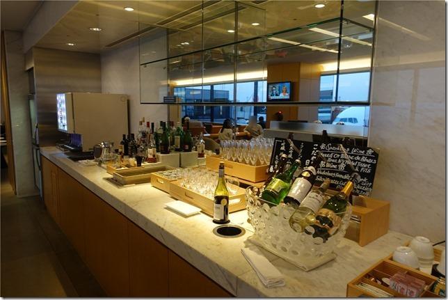 成田空港第2ターミナルJALサクララウンジ(国際線)レビュー。