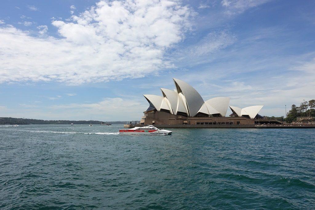 シドニー空港からオペラハウスへの行き方