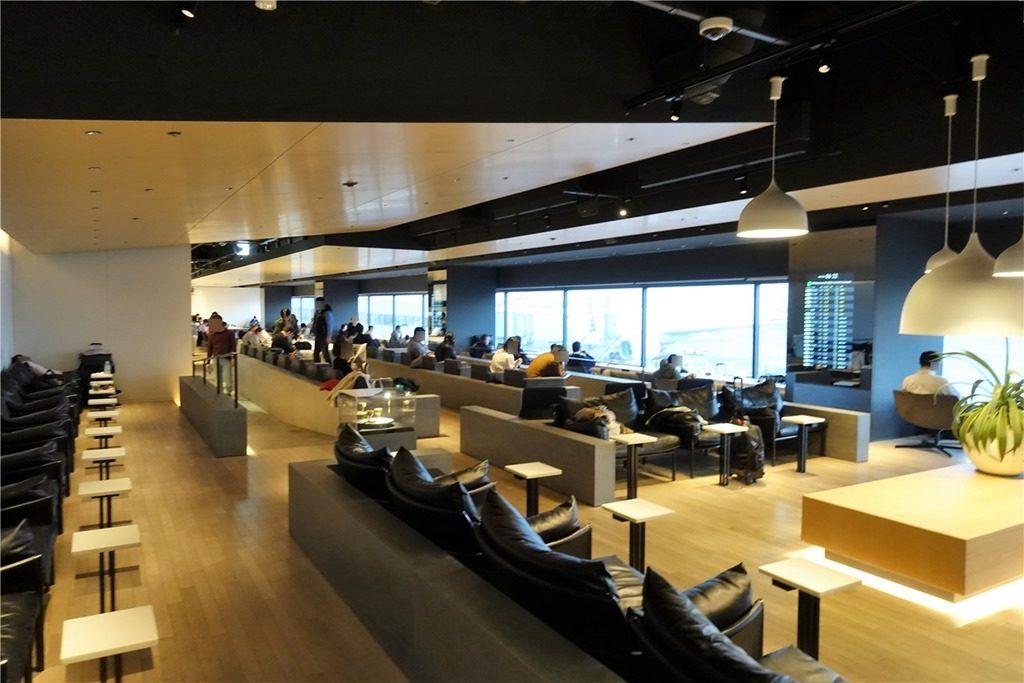 羽田空港第1ターミナルのカードラウンジ