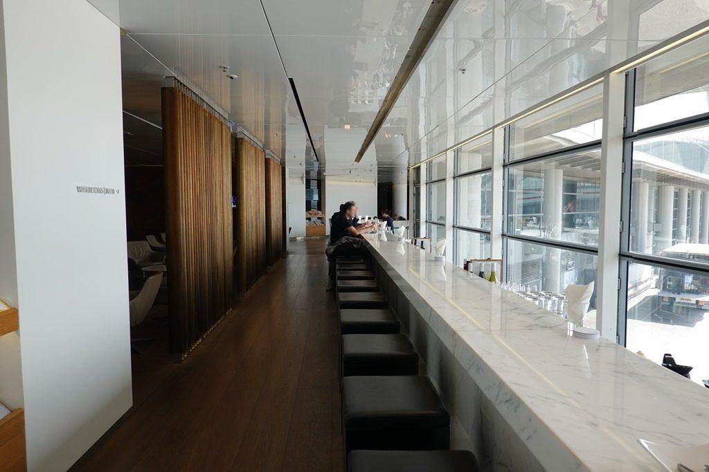 香港空港「ザ・ブリッジ」
