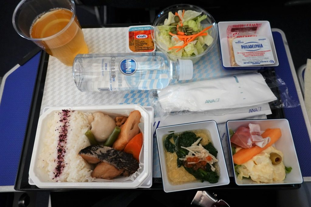 ANAバンクーバー便プレミアムエコノミー機内食