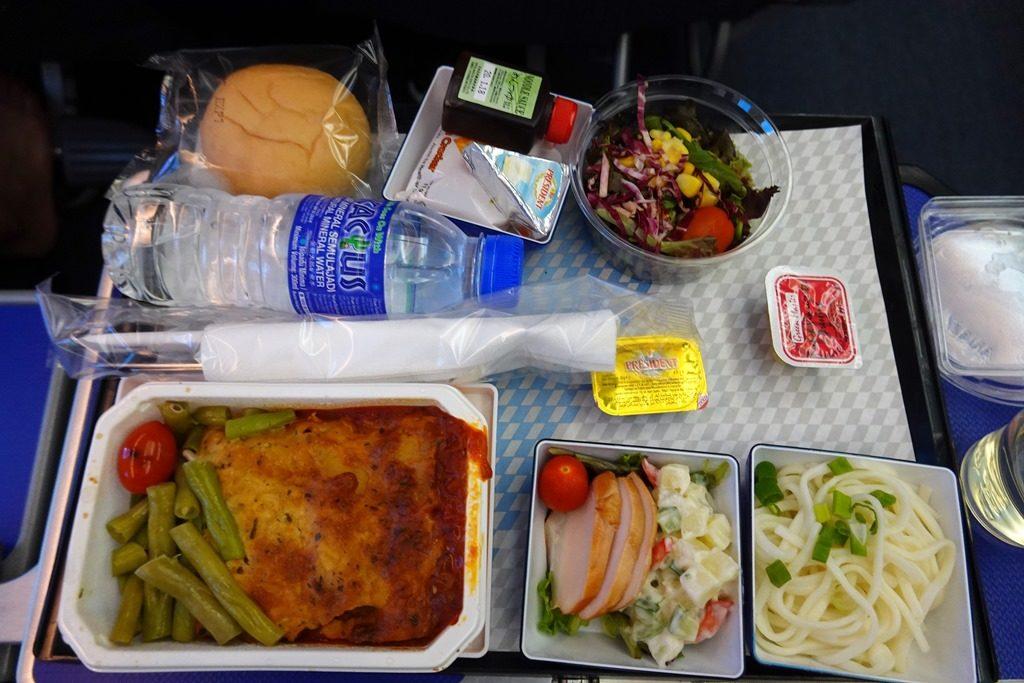 ANAクアラルンプールプレミアムエコノミー機内食